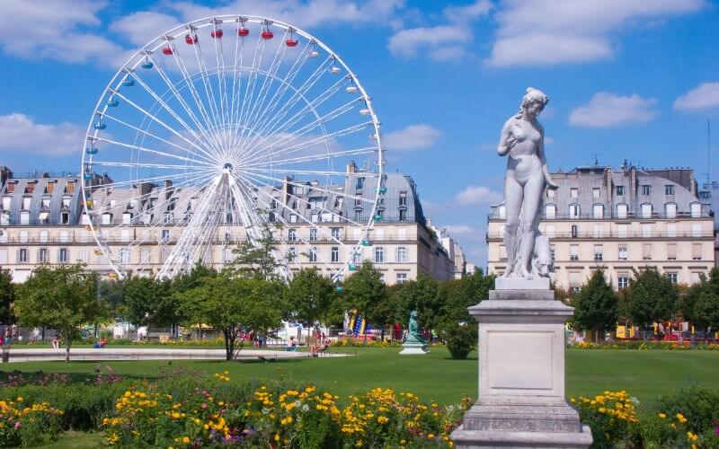Looking for an accommodation for a family holiday in Paris?